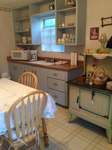 Creekside Bed and Bath/Room 1 - GLendale - Huis