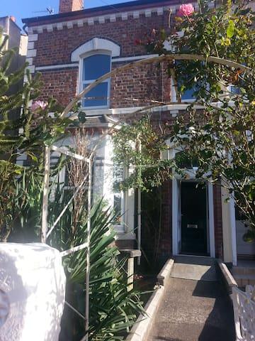Beautiful 5 bedroom house on coast - Liverpool - Ev