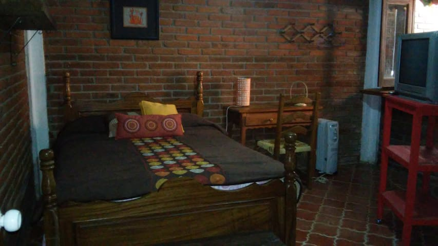 Una linda recámara/A nice bedroom in Pátzcuaro - Patzcuaro - Huis