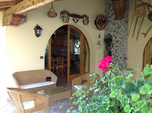 VILLA WITH GARDEN & CAR PARK - Montereale Valcellina - Casa