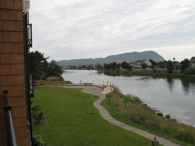 Great CONDO for your get-away! - Seaside - Квартира