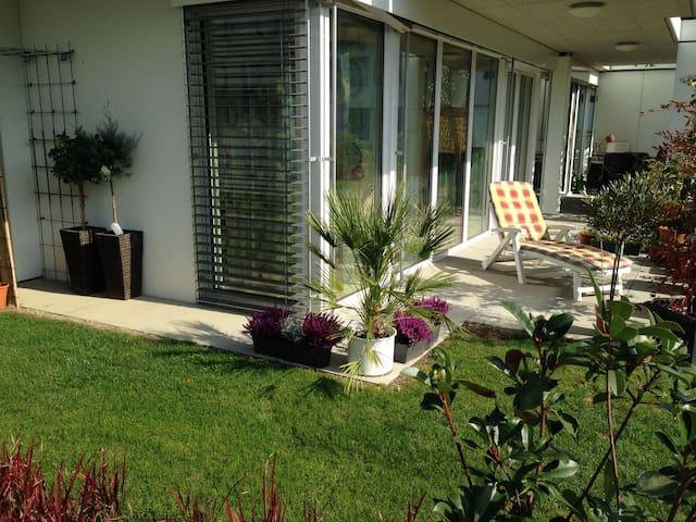 Moderne, ruhige und attraktive Lage am Bodensee - Ermatingen - Bed & Breakfast