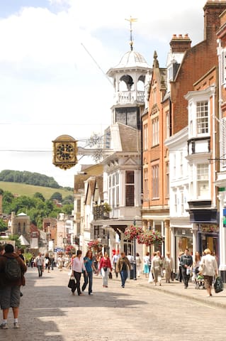 3 bed period apartment in Guildford - Guildford - Appartement