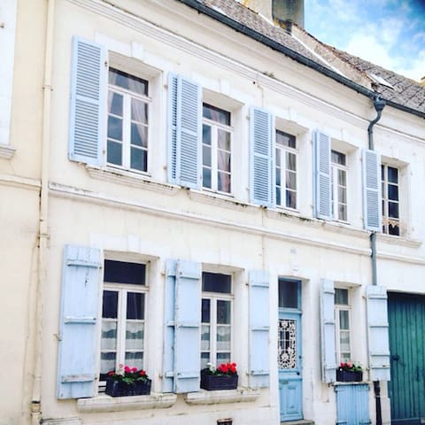 Central Traditional Town House - Montreuil - Ev
