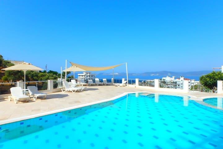 Aegean view Penthouse in Gulluk - Güllük - アパート