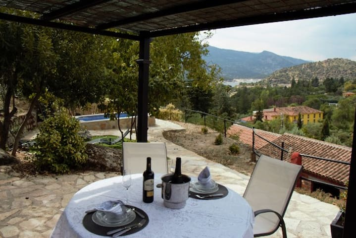 Great house for romantic moments - El Barraco (Avila) - Hus