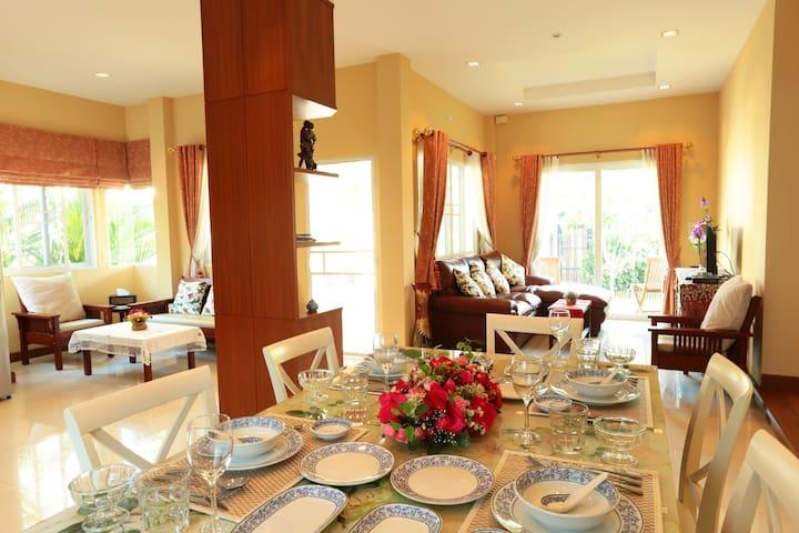 New Beautifully Furnished Villa - TH - 別荘
