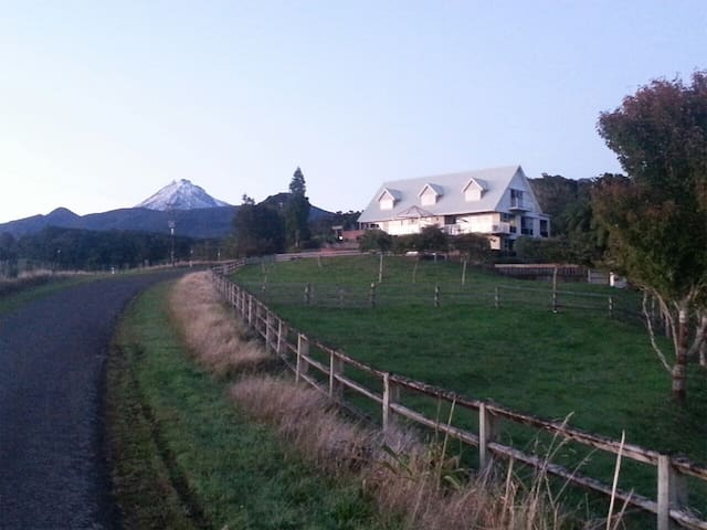 Rural retreat with stunning views - Koru - Casa
