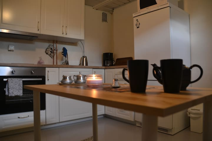 Lovely, cozy, private apartment with free parking - Skedsmo - Apartemen