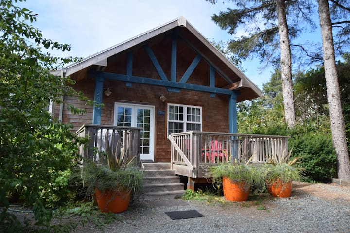Sibley Cottage - Manzanita - Ev