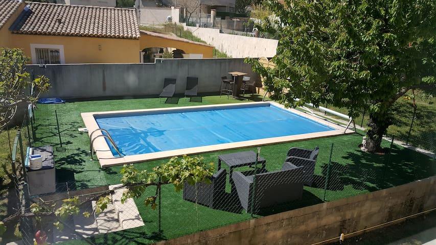 villa 120m2 avec piscine - Cadolive - Villa