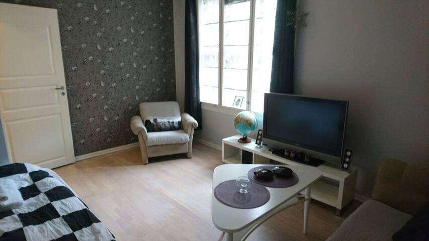 Privat room in stylish home - Haugesund