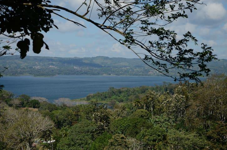 Cabaña overlooking Lake Arenal - Tilaran