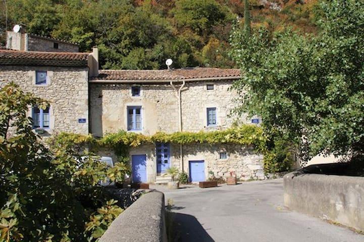 Maison de caractere en Drome provençale - Pont-de-Barret
