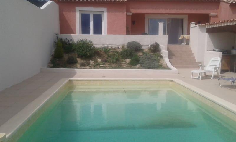 villa 135m2 piscine au calme - Cannes-et-Clairan - Hus