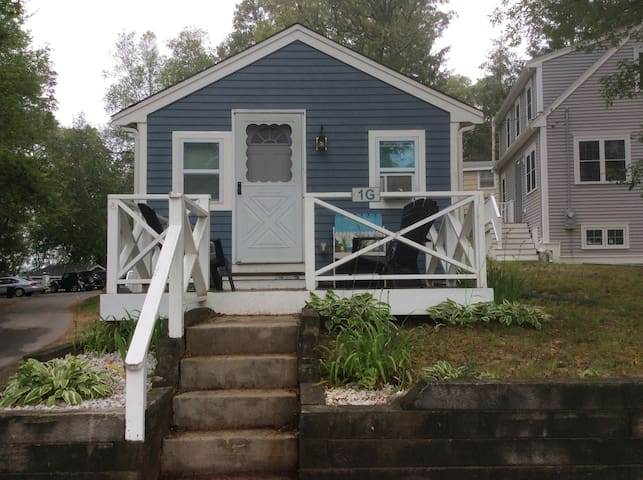 Small Cottage close to water - Bourne - Hus