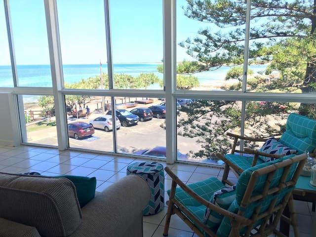 Beachfront at Kings Beach,Caloundra - Kings Beach - Lägenhet