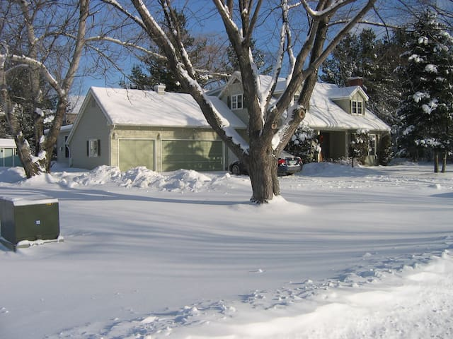 Middlebury Studio - 10 Minute Walk to Town - Middlebury - Appartement