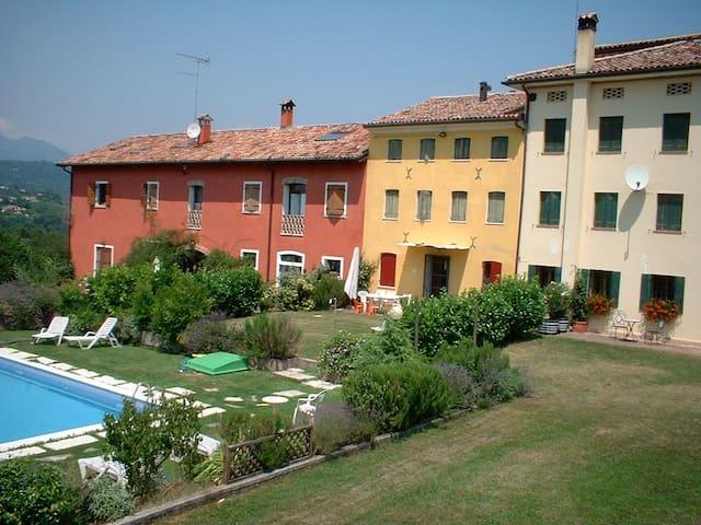 Vacation villa with swimming pool - San Pietro di Feletto - Villa