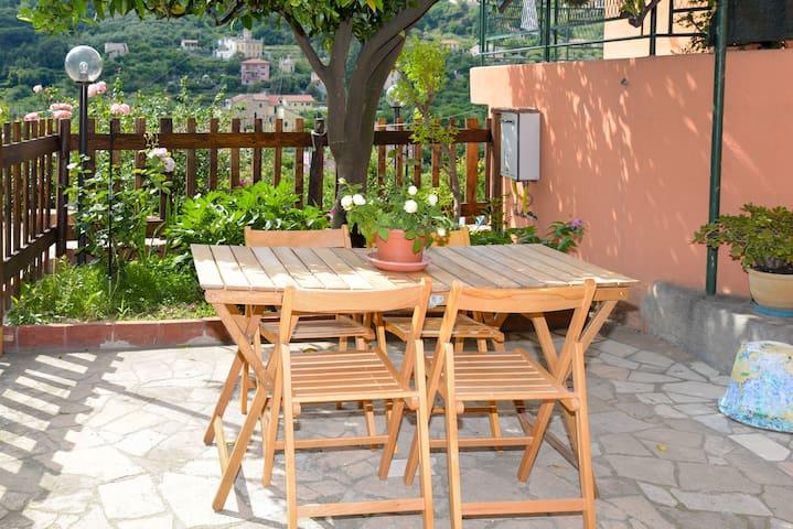 B&B Al Riparo, room Liguria with private balcony. - Finale Ligure - Bed & Breakfast