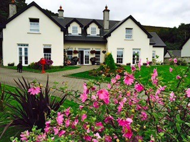 Lissadell Lodge Room 1 - Glenbeigh