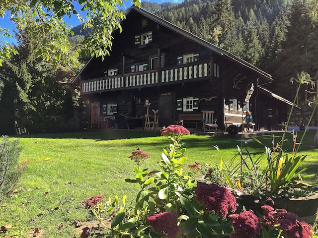 Alpine Chalet XXL in the woods - Sankt Veit im Pongau - Chalet