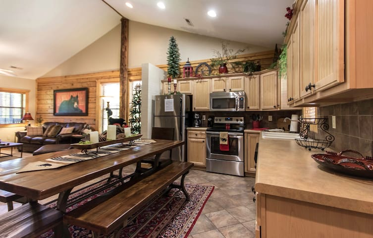 Lazy Bear Lodge Beautifully decorated luxury cabin - Branson - Appartement en résidence