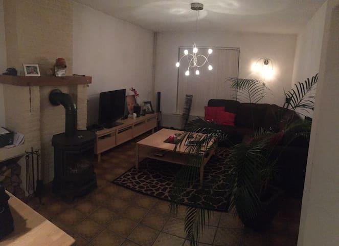 Moderne grote woning met houtkachel - Heerlen - Hus