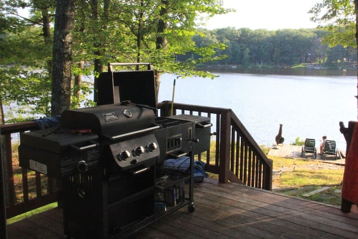 Country Style Lake Front Rental - Milford - Haus