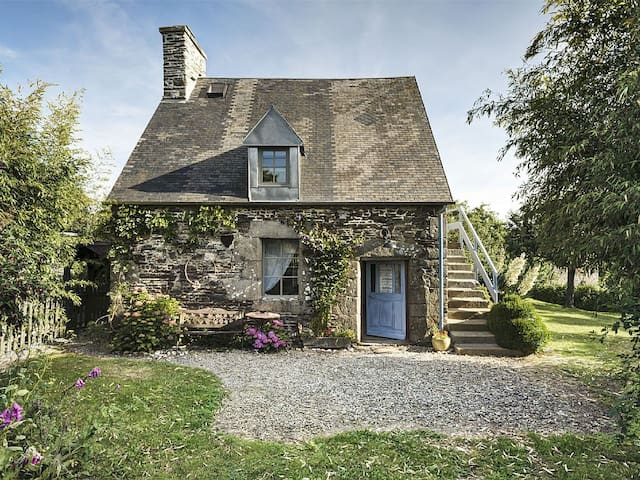 Lovely Cottage with large garden - Le Mesnil-Tôve - Hus