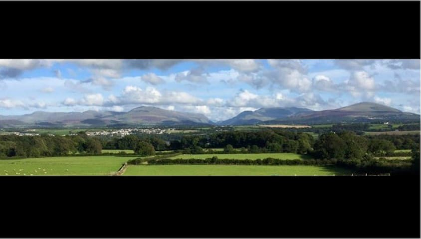 Two rooms with amazing views - Llanfairpwllgwyngyll - Bed & Breakfast