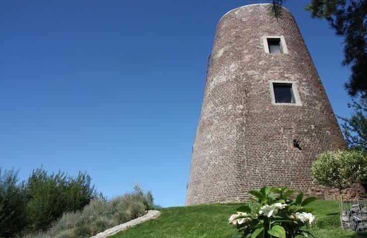 """moulin du """"ya""""  gîte  insolite  de 2/4 personnes - La Louvière - Diğer"""