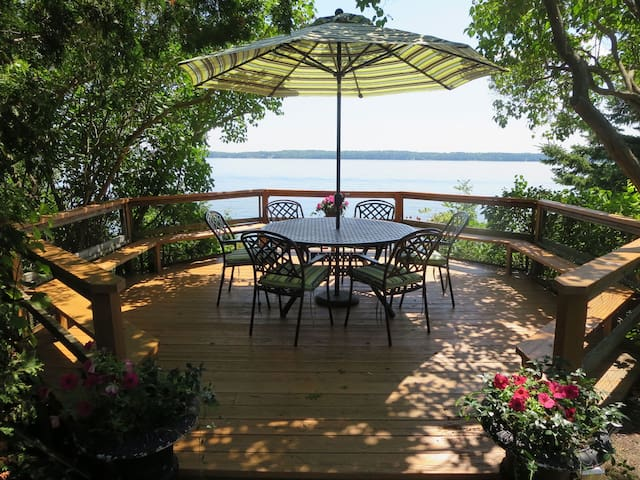 Tranquil,Stunning L. Simcoe Cottage  BOOKING 2017 - Shanty Bay - Cabaña