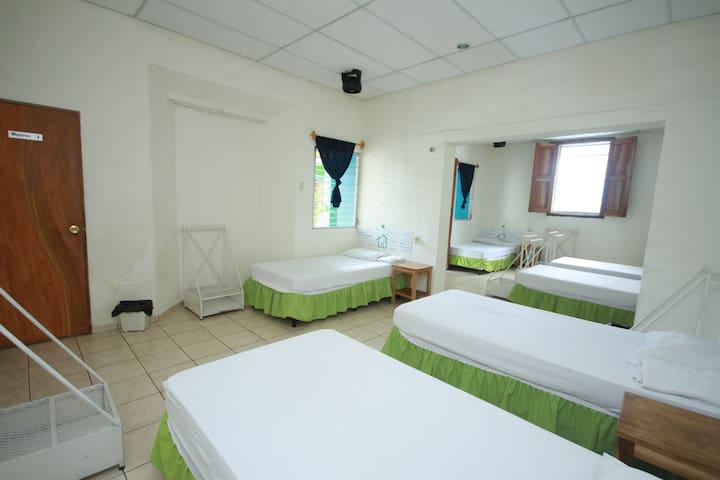 Habitacion compartida Dorm B - Santa Ana - Rumah