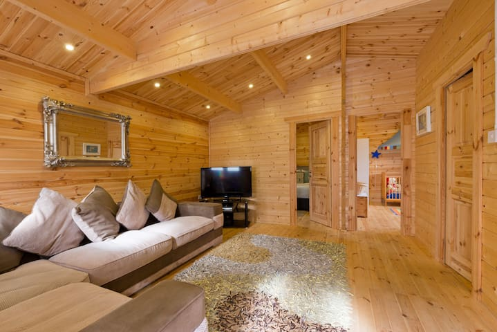 Log Cabin - Clonshaugh - Chatka