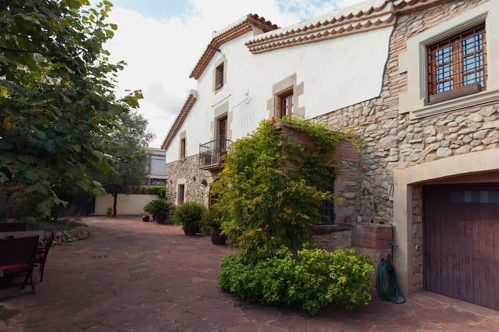 udge Masia  next to Barcelona - l'ametlla del Valles - 별장/타운하우스