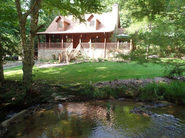 Creekside Paradise B&B North Room - Robbinsville - Bed & Breakfast