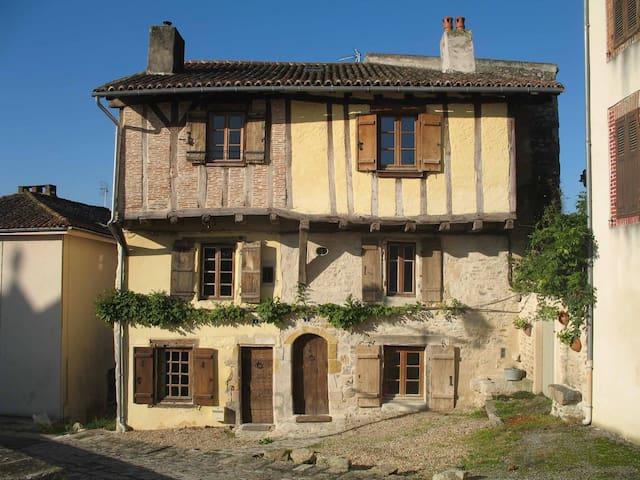 Le  Grand Fort  Bellac - Bellac - Huis