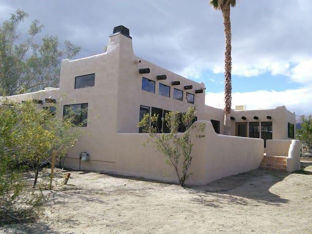 Santa Fe Style Home on Two Acres - Borrego Springs - Ev