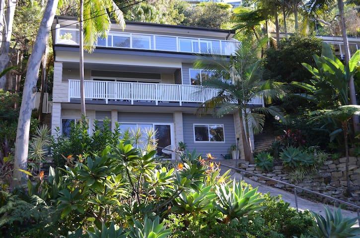 Tropical feel apartment; walking distance beaches - Avalon Beach - Leilighet