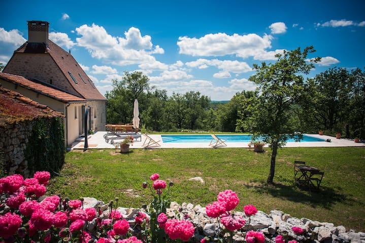 Location Gîte Piscine chauffée: 1er mai 31 octobre - Lentillac-du-Causse - Rumah
