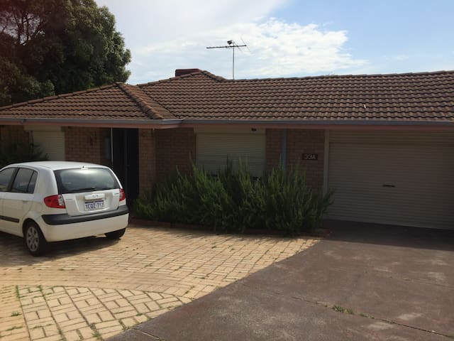 Kid friendly home in Perth Hills. - Swan View - Hus