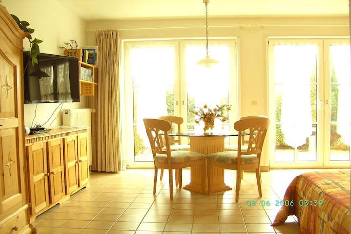Apartment - sleeps Two - Langen Brütz - Daire