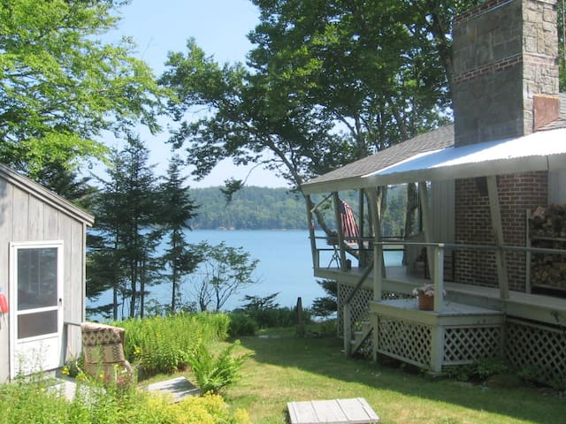 MAINE SUMMER COTTAGE BY THE SEA - Swans Island