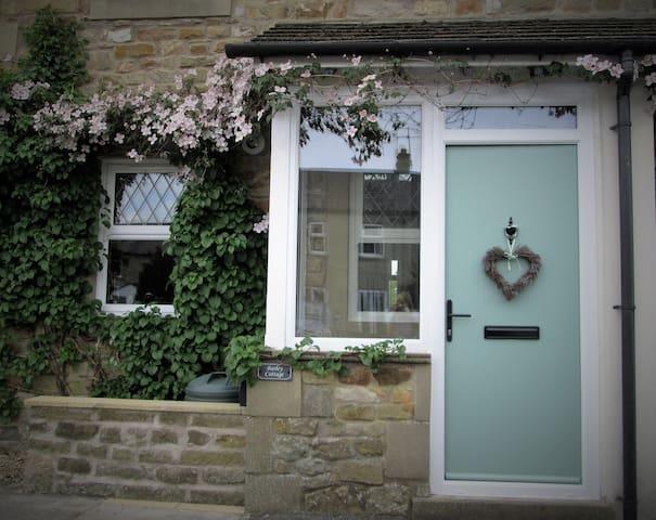 Barley Cottage - Dog Friendly Retreat - Whittington - Hus