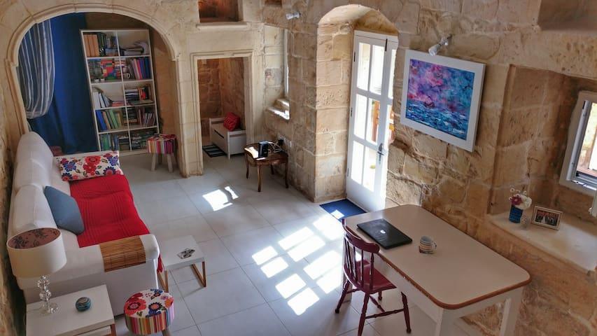 Double Bedroom in Maltese House of Character - Ħal Għaxaq - Hus