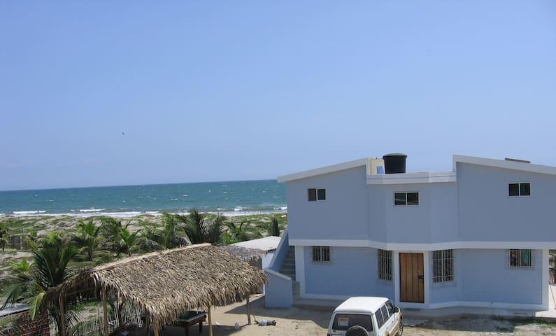 Private Beach & Pool Hotel Room #3 - Crucita - Bed & Breakfast