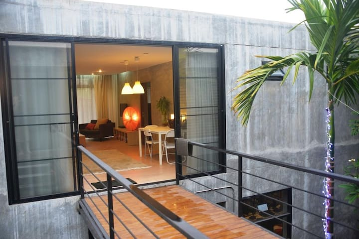 New self-contained, large modern apartment - Chiang Mai - Leilighet