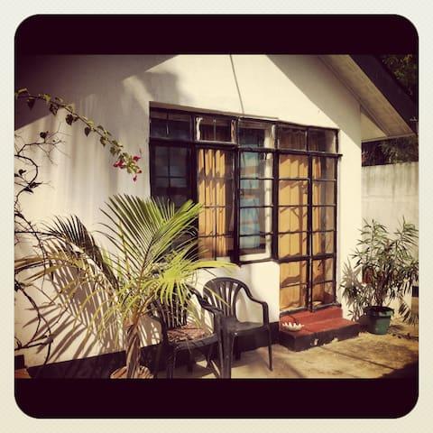 Eureka Pool House - Dar es Salaam - Dom