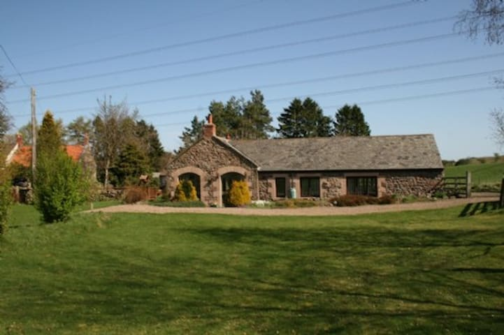 THE BARN, Nr Wooler - Wooler